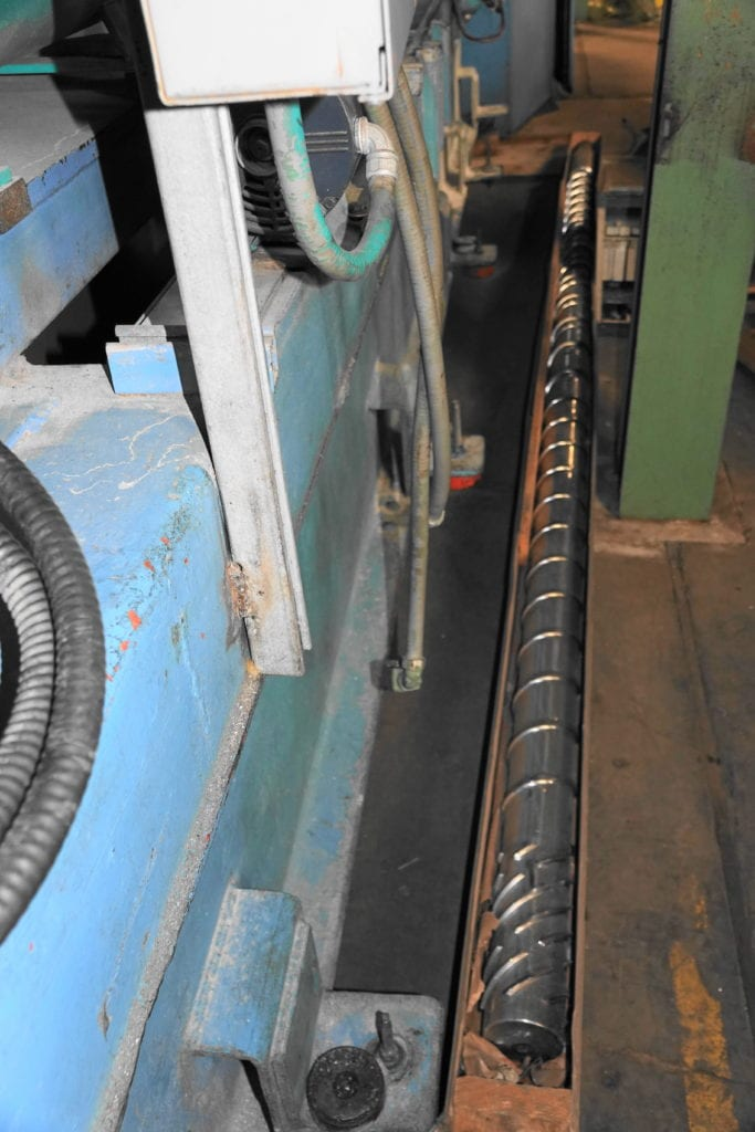 """NRM 6"""" Extruder with 2 screws 34:1, 400 hp DC drive $30000 USD"""